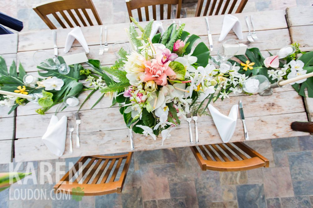 Hulualoa Table Set