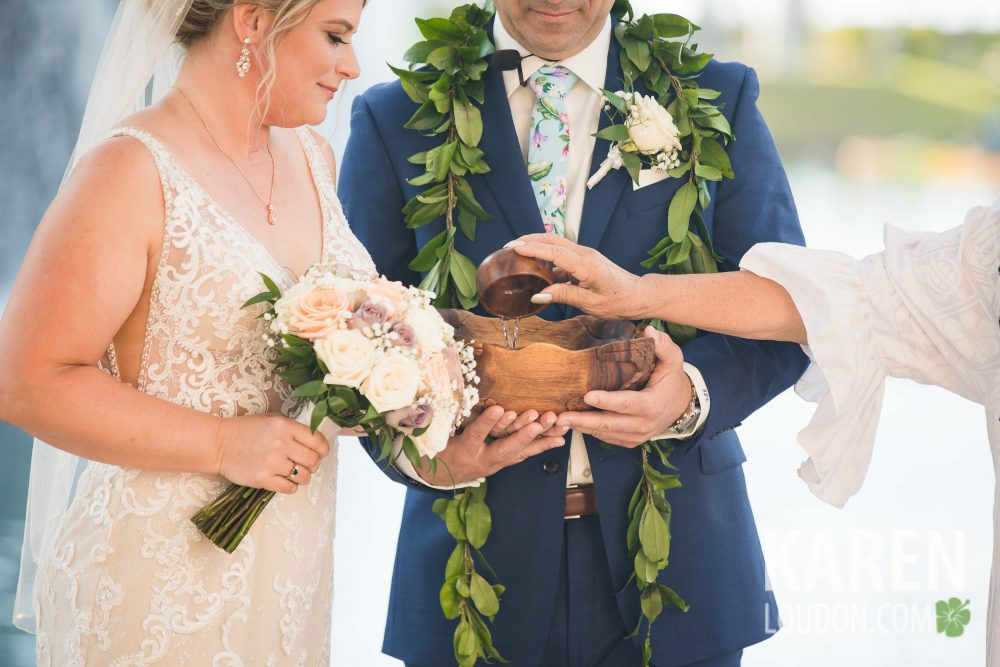 Hawaiian wedding sand ceremony